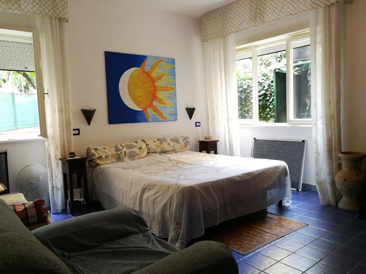 Appartamento con giardino vicino al mare