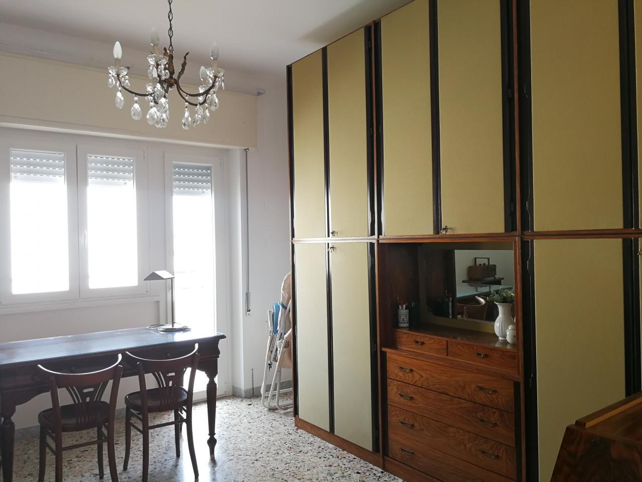 Vendita appartamento centrale con garage