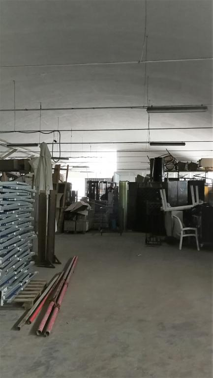 Capannone in zona industriale